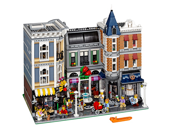 Enter the magical world of the Assembly Square, with its elaborate facade and host of shops and amenities featuring unsurpassed details and surprises. Includes eight minifigures and a baby figure.