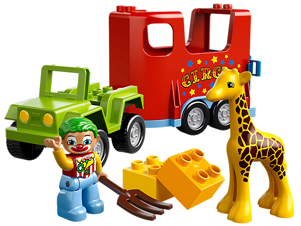 Help the clown to load the baby giraffe onto the LEGO® DUPLO® Circus Transport with decorated trailer, pitchfork and assorted bricks!