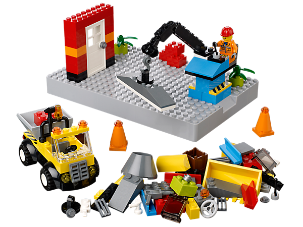 Help the builder to operate the dump truck and crane while you build a cool LEGO® house with accessories, a baseplate and 148 cool elements!