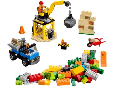 Explore product details and fan reviews for buildable toy LEGO® Juniors Construction 10667 from Juniors. Buy today with The Official LEGO® Shop Guarantee.