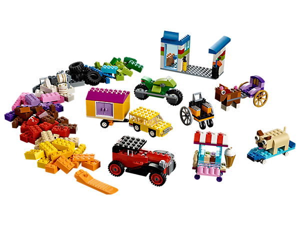 Discover a world of wheels with this LEGO Classic set featuring an array of wheels and tires, plus a selection of LEGO pieces including bricks, shapes and eyes.