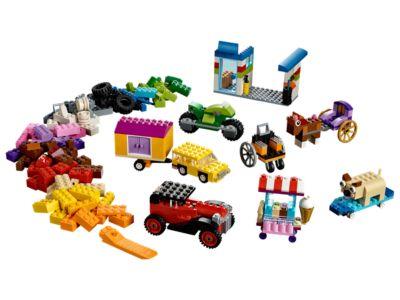 La boîte de briques et de roues LEGO