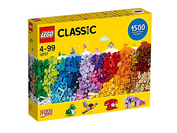 Imagine and create your own world in vibrant colors, with this LEGO® Classic Bricks Bricks Bricks set, featuring 3 levels of building complexity and age appropriate building and rebuilding instructions.