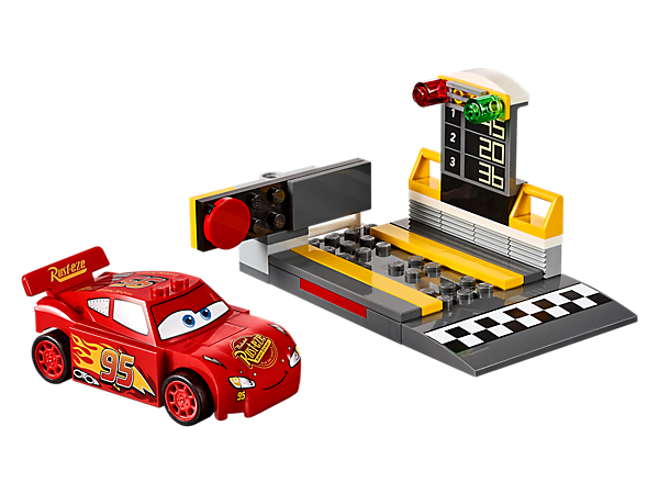 Help Disney•Pixar's Lightning McQueen win with the Speed Launcher, featuring a race leaderboard, starting ramp, launch function and an Easy to Build LEGO® Juniors car.