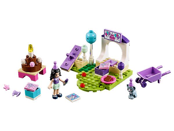 ¡Visita el parque y participa en la Fiesta de mascotas de Emma para Chico! Esta escena en el parque, de fácil construcción, incluye un balancín, una carretilla, una tarta para decorar, regalos y globos de colores.