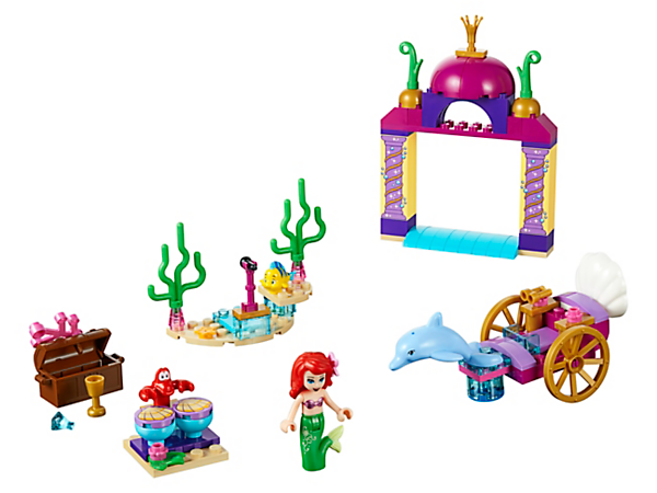 Spend time with Disney Princess Ariel and her friends before her Underwater Concert, featuring a carriage, archway, stage, drum set, treasure chest, mini-doll figure and 3 animal figures.