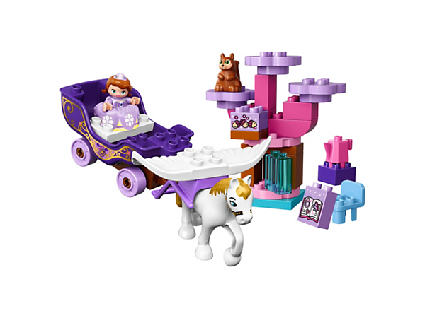 Travel in Sofia's Magical Carriage and let Minimus the flying horse take you on a royal adventure to the forest to find Whatnaught the squirrel in his revolving tree.