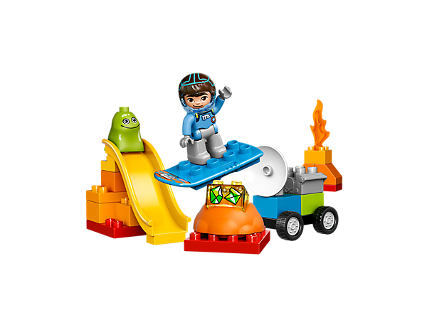 Create endless space adventures with Miles From Tomorrowland and Blodger Blopp with their slide, blastboard and discovery rover with turning radar.