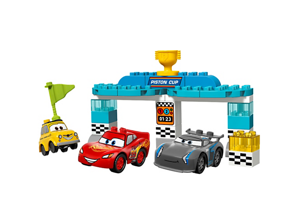 Help your child race for the Piston Cup with buildable Disney•Pixar Lightning McQueen, Jackson Storm and Luigi cars, plus a starting gate for the final showdown.