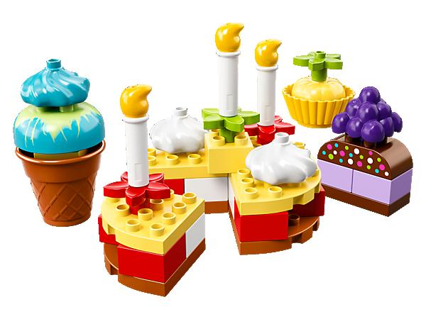 Bavte se společně s vašimi dětmi – stavějte různé druhy dortů, které můžete nabídnout kamarádům, vytvářejte nezapomenutelné příběhy a zároveň rozvíjejte jemné motorické schopnosti vašich dětí.