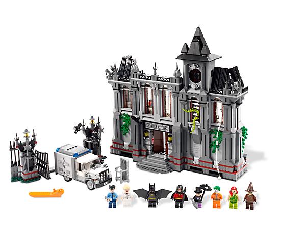 Aide Batman™ et Robin à mettre 5 célèbres gangsters derrière les barreaux dans l'indispensable asile d'Arkham !