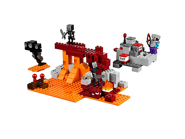 Join forces with Alex to defeat the invading mobs. Features a secret trapdoor and exploding floor function, plus 2 minifigures, a Creeper™, skeleton, ocelot and more.