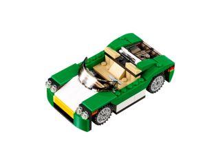 Zelený rekreační vůz