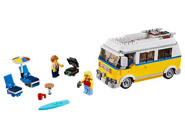 Head for the coast with the 3-in-1 Sunshine Surfer Van, featuring a detailed interior, surfboard, parasol, barbecue and foldaway furniture. Rebuilds into a Lifeguard Tower or Beach Buggy.