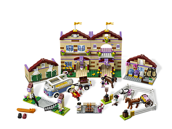 Saddle up and head off to Summer Riding Camp in the mini-bus with the LEGO® Friends, includes canteen and cool bunkhouse with 4 beds!