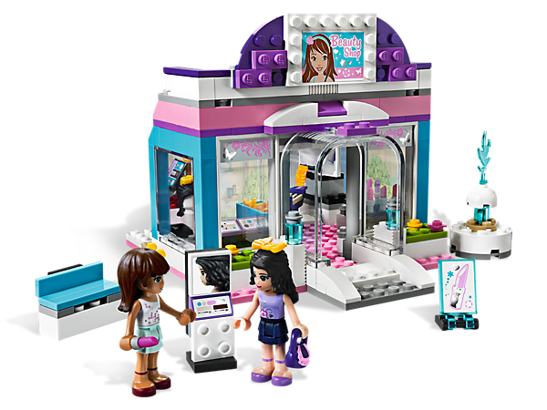 Makeover the LEGO® Friends at the Butterfly Beauty Shop with makeup, hair accessories and tons of realistic details for serious salon fun!