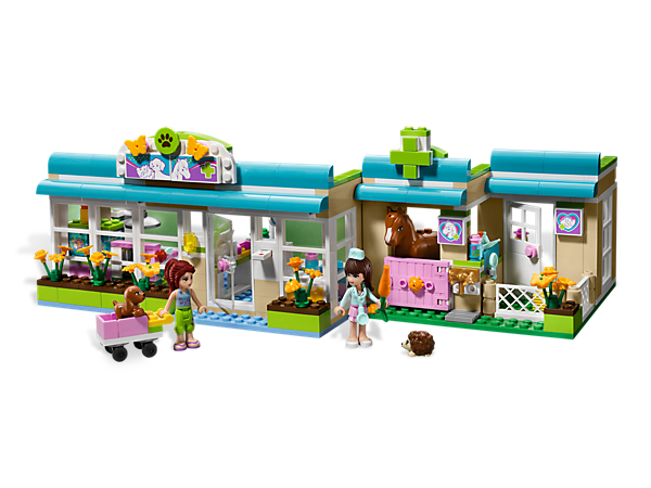 Take care of the LEGO® Friends' animals at the Heartlake Vet with 3 animals, an X-ray machine, bandages and tons of realistic accessories!