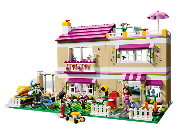 Head over to Olivia's House with the LEGO® Friends for a sleepover and barbecue with her whole family and fun accessories to decorate with!