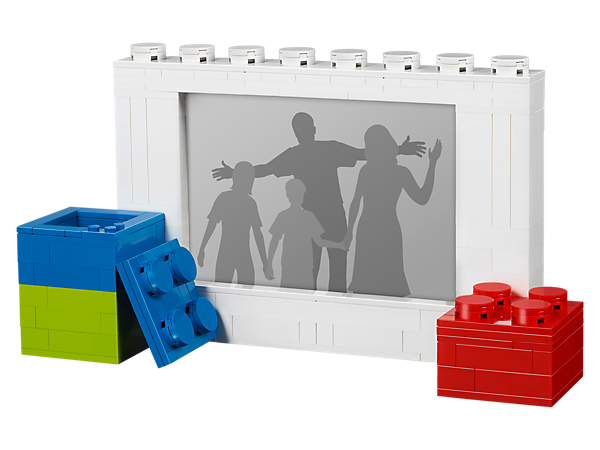 Show off your favorite photo in this buildable LEGO® photo frame and keep yourself organized at work or at home with 2 LEGO brick trinket boxes.