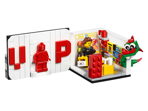 Build and play in a micro LEGO® brand store with a store worker minifigure, and then build your own VIP LEGO brick loyalty card featuring red Leo minifigure.