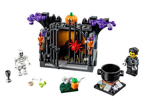 LEGO® Halloween Haunt - 40260 | LEGO Shop