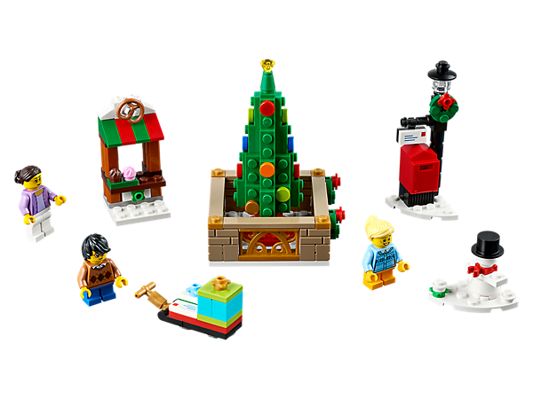 <p>Enjoy a perfect Christmas Eve at the LEGO® Christmas Town Square, with a colorful holiday tree, shop stall, sleigh, lamppost, mailbox, 3 minifigures and a buildable snowman figure.</p>