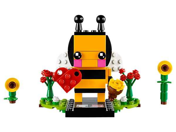 Declare your love with this LEGO® BrickHeadz™ Valentine's Bee, featuring movable wings, a pot of honey, red heart, flowers and a buildable collector's baseplate.