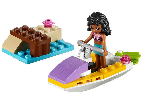 Schwinge dich an der baubaren Anlegestelle auf den Jetboot und genieße mit Kate Sommerspaß pur! Mit Schwimmflossen für einen Unterwasserausflug!