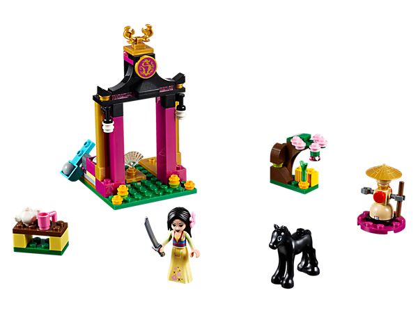 Get ready for battle with Disney Mulan and her foal Khan at her family temple, including a turning training dummy, catapult with boulders, tea ceremony and cherry blossom tree.
