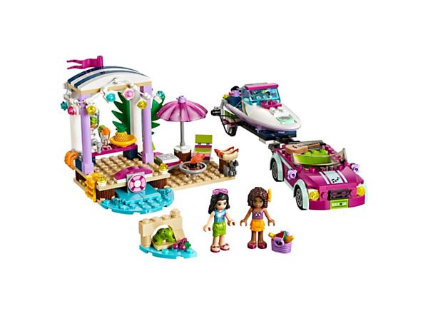 Le transporteur de hors-bord d'Andrea LEGO® Friends inclut une voiture de plage sportive et une remorque, un hors-bord et une scène de fête à la plage avec un bar à jus, un barbecue, des chaises longues, plus deux minipoupées.