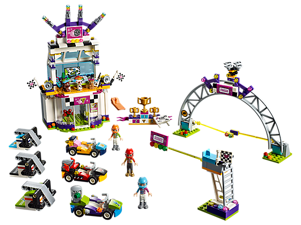 <p>Speed off the start line to win the big race with 3 go-karts and launchers, 3 mini-dolls and a race building with changing room, VIP pet lounge and winner's podium.</p>