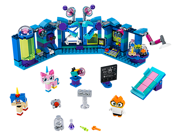 <p>Enter Dr. Fox's Laboratory at the castle to perform all kinds of sparkle dust experiments using the sparkle matter scanner, examination table, robotic arms, horn polisher and shrinking ray gun.</p>