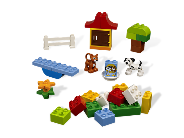 Make cute creature creations with colorful LEGO® DUPLO® bricks, animals, house pieces and animal care elements!