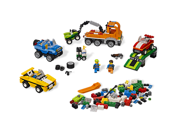 Start your creative engines with a vehicle building set full of tires, tools and basic elements for all of your build-on-wheels needs!