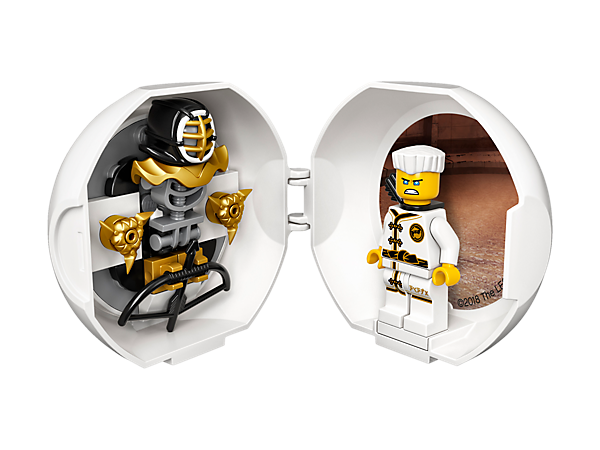 Prepare for battle with this portable LEGO® NINJAGO® Zane Kendo training pod with lenticular Zane image, plus a Zane minifigure, Kendo mask element and assorted ninja weapons inside.