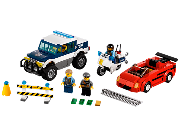 Time for Chase McCain™ in his LEGO® City Elite Police car and Elite Police motorcycle buddy to chase down the burglar in his sports car!