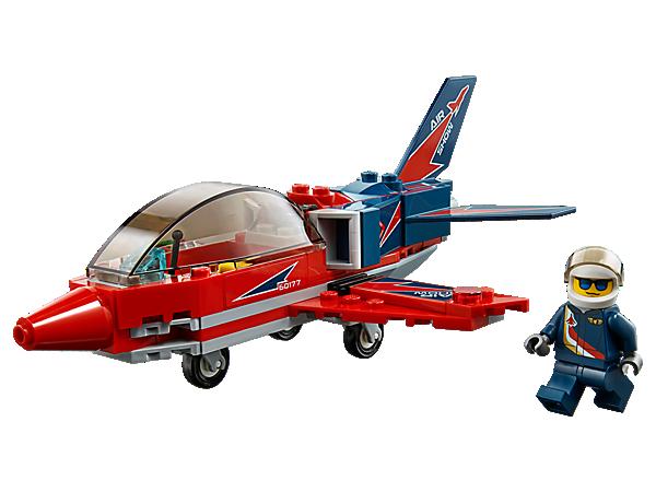 Laat de mensen zien wat deze vliegshowjet allemaal kan! De jet heeft een cockpit die open kan, felle racekleuren, een stoere decoratie, een landingsgestel en een bijbehorende minifiguur.