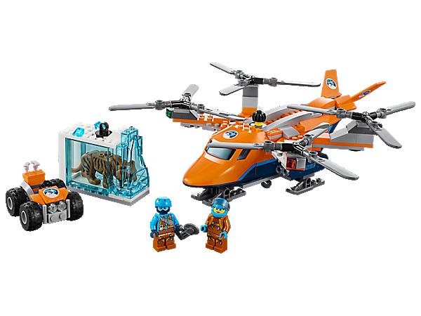 """Benutze das Arktis-Frachtflugzeug, um deine Funde zu transportieren. Das Set enthält einen Quadrocopter mit 4 Rotoren und Seilwinde sowie ein Quad, einen Eisblock mit """"eingefrorenem"""" Säbelzahntiger und 2 Minifiguren."""