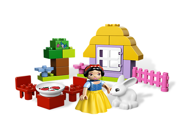 Play in Snow White's cottage with tons of accessories in Disney Princess style with a bright, beginner building set from LEGO® DUPLO®!