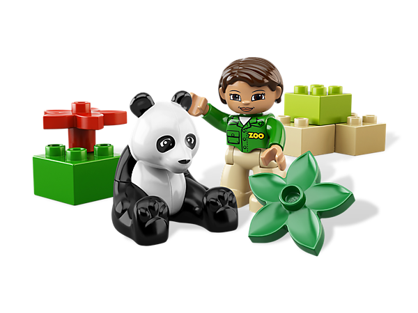 The LEGO® DUPLO® zoo has a happy new Panda to take care of with the zookeeper and big, bright DUPLO bricks!