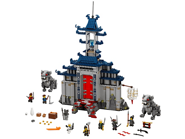 Dare to enter the Temple of the Ultimate Ultimate Weapon featuring rock-dropping, dynamite-dropping, blade-shooting and chopping-sword functions, plus 7 minifigures.