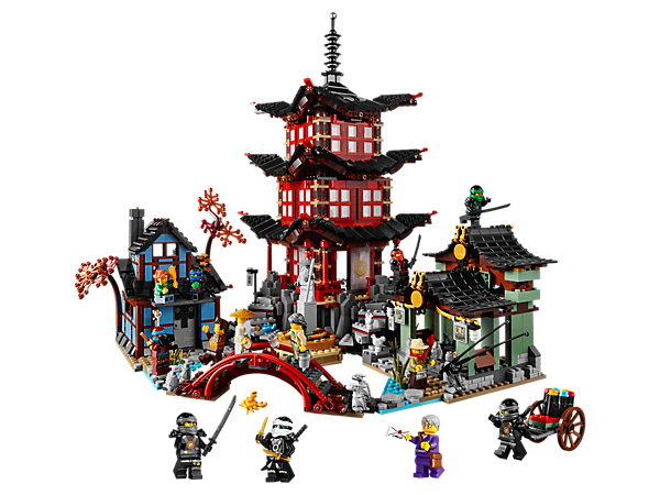 Build the beautiful Temple of Airjitzu including spinning shadow theater with light brick, plus the Blacksmiths and Smugglers Market!