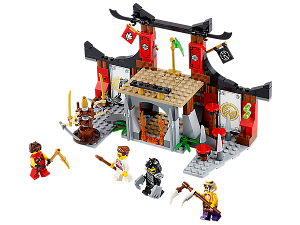 <p>Fight for the Jade Blade in the LEGO® NINJAGO™ Dojo Showdown with trapdoor, fire prison, poison darts, spinning blade bot and 4 minifigures.</p>