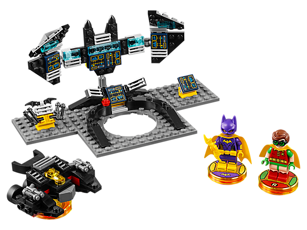 Journey through THE LEGO® BATMAN MOVIE Story Pack with six game levels, two buildable minifigures, 3-in-1 Batwing vehicle, Bat-Computer gateway build and THE LEGO BATMAN MOVIE Adventure World with Battle Arena!