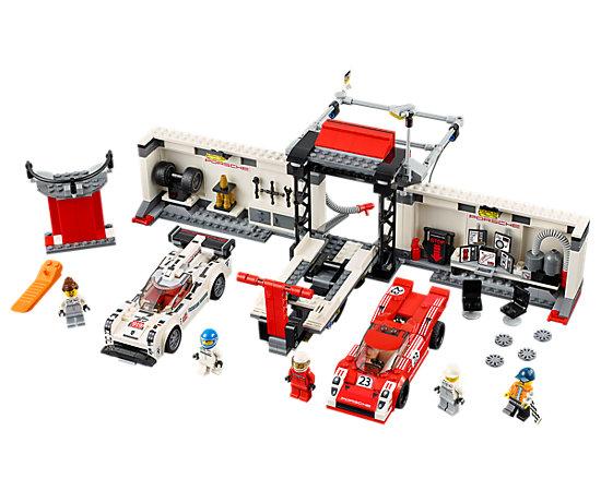 le stand de la porsche 919 hybrid et 917k 75876 speed champions lego shop. Black Bedroom Furniture Sets. Home Design Ideas