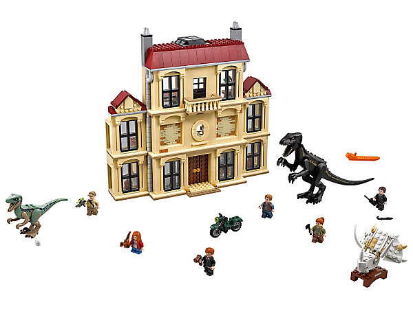 Rescue Maisie from the rampaging Indoraptor in this thrilling play set, featuring the 3-level Lockwood Estate building with museum, 6 minifigures and 2 dinosaur figures.