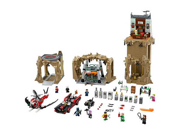 <p>Help Batman™ and Robin™ repel the villains from the Batcave featuring a false bookcase, Batpoles, Bat Lab with Batcomputer, plus a Batmobile, Batcopter and 9 minifigures.</p>