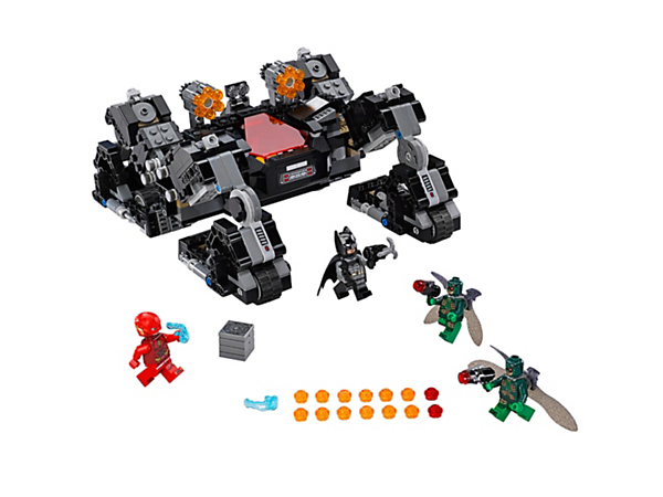 Power into battle for the Mother Box with Batman's Knightcrawler, with posable limbs, tracks for drive/crawl modes and dual 6-stud rapid shooters, plus 4 minifigures.