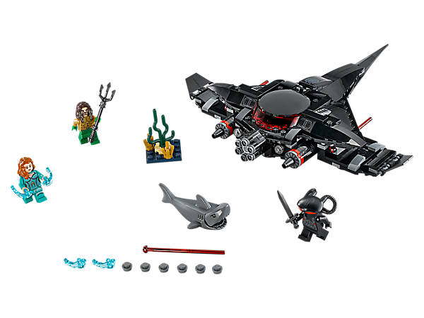 Battle for the treasure with Aquaman™ against Black Manta's submarine, featuring spring-loaded shooters and rapid shooter, in Aquaman: Black Manta Strike. Includes 3 minifigures and a shark.