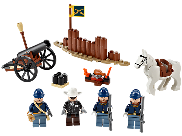 Ride Silver into battle with the Cavalry Builder Set with campfire, cannon and defense wall, 3 cavalry soldiers and the Lone Ranger!